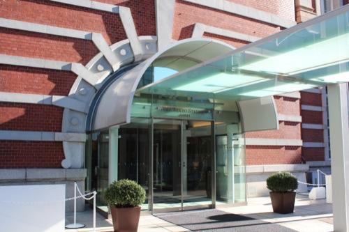 0041:JR東京駅舎 刷新されたホテル入口