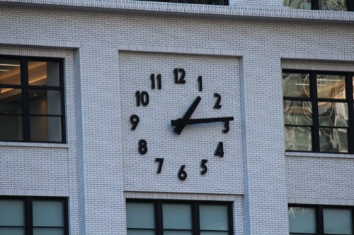 0042:JPタワー 低層部(旧郵便局)現役の時計台