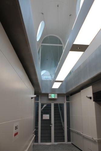 0043:新白島駅舎 排煙機械室への階段