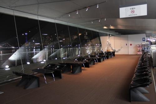 0044:横浜大さん橋ターミナル 休憩スペース