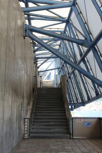 0047:長崎港上屋C棟 プロムナードへ続く階段