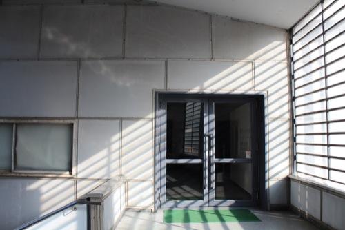 0050:神奈川県立近代美術館鎌倉館 第一展示室入口