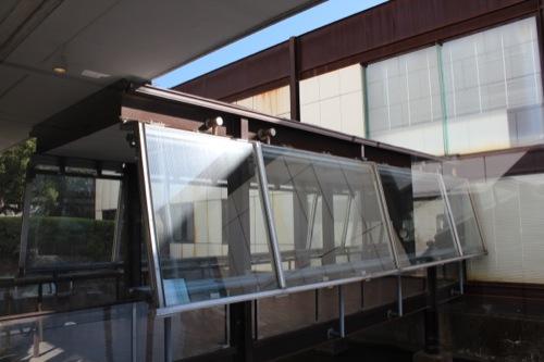 0050:神奈川県立近代美術館鎌倉館 新館へ続く通路①