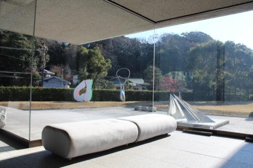 0051:神奈川県立近代美術館鎌倉別館 ロビーから庭園をみる①