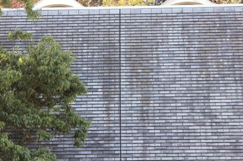 0051:神奈川県立近代美術館鎌倉別館 グレートーンの外壁