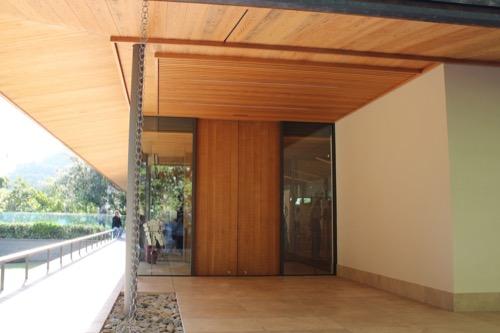 0053:竹中大工道具館新館 『名栗仕上げ』が施された入口扉