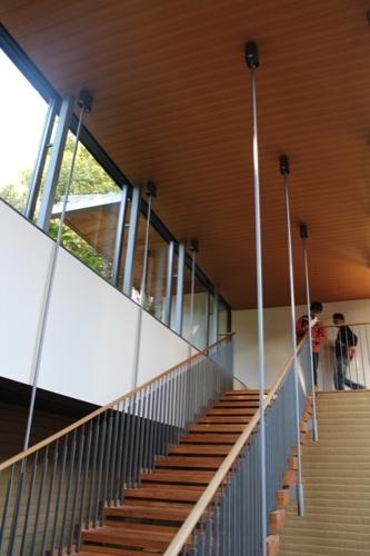 0053:竹中大工道具館新館 吊構造の階段