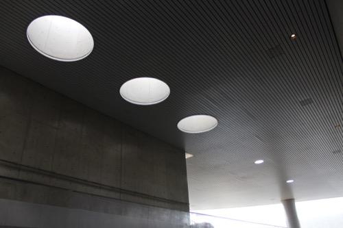 0056:葛西臨海水族園 円筒にくり抜かれた天窓