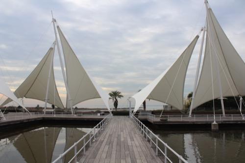 0056:葛西臨海水族園 『ヨットの帆』をモチーフにしたテラスデッキ