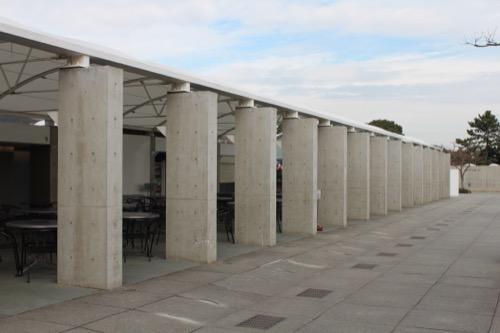0056:葛西臨海水族園 ショップ棟の列柱