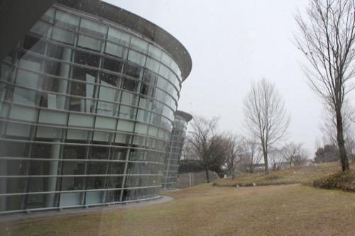 0058:福井市美術館 外を見れば雪でした