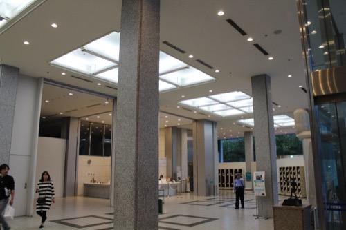 0061:広島平和記念資料館 資料館入口となる東館の内観