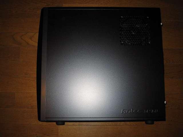 PC ケース Antec Three Hundred Two AB PC ケース側面 サイドパネル(裏配線側)