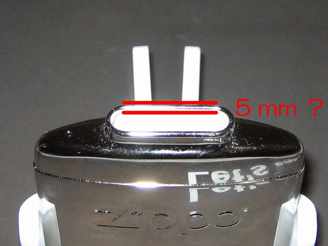 Zippo ハンディウォーマー & オイルセット ZHW-JF 本体注油口と内綿、内綿を本体給油口から 5mm 程下にそろえる