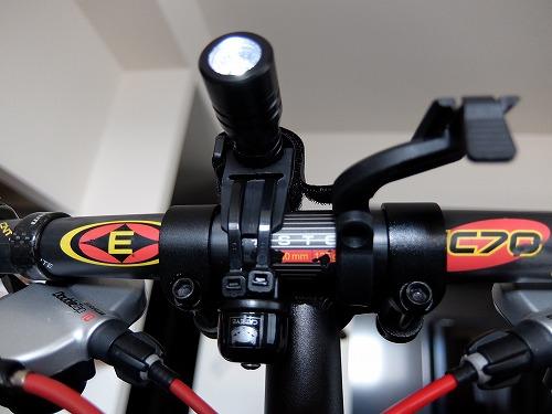 アイデア商品!Bikeguyライトホルダー&CATEYEピッコロベル