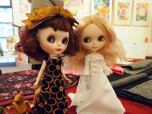 dressgirls.jpg