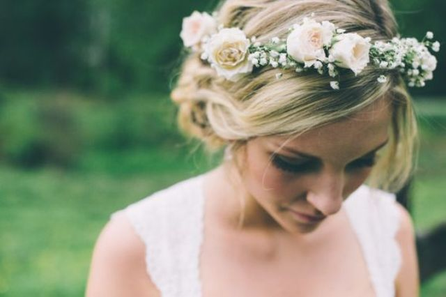 25-Stunning-Spring-Flower-Crown-Ideas-For-Brides.jpg