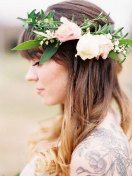 25-Stunning-Spring-Flower-Crown-Ideas-For-Brides10.jpg