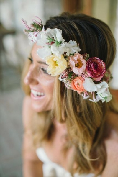 25-Stunning-Spring-Flower-Crown-Ideas-For-Brides2.jpg