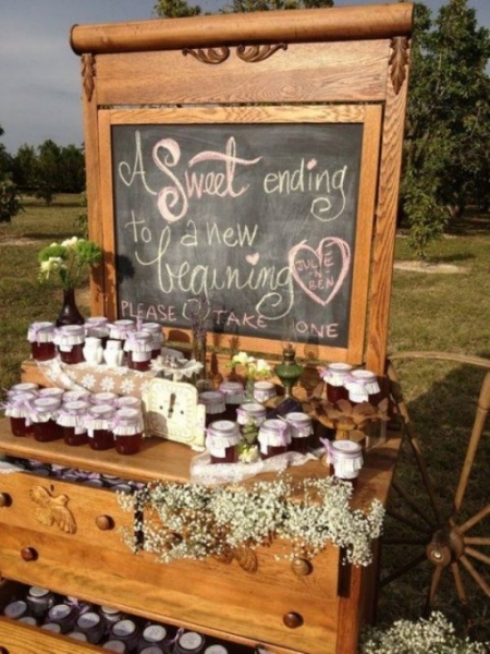 25-beautiful-and-practical-ways-to-use-a-vintage-dresser-in-your-wedding-17-500x667.jpg