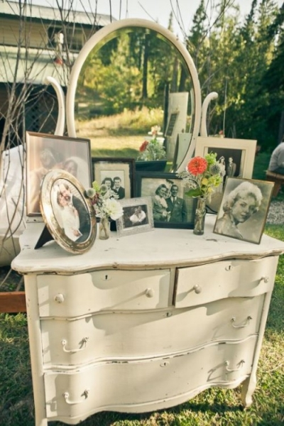 25-beautiful-and-practical-ways-to-use-a-vintage-dresser-in-your-wedding-18-500x750.jpg