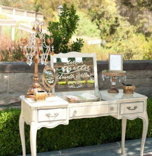 25-beautiful-and-practical-ways-to-use-a-vintage-dresser-in-your-wedding-25-500x512.jpg