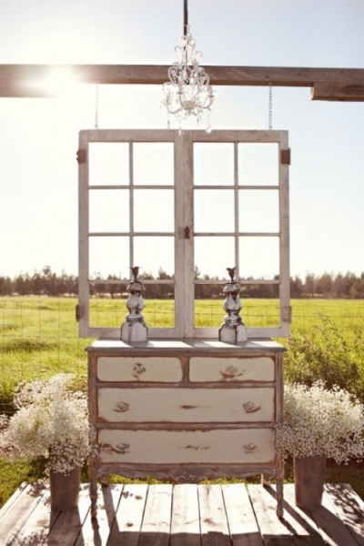 25-beautiful-and-practical-ways-to-use-a-vintage-dresser-in-your-wedding-4-500x750.jpg