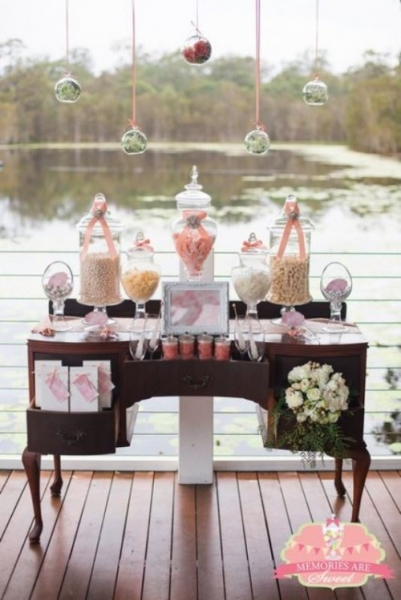 25-beautiful-and-practical-ways-to-use-a-vintage-dresser-in-your-wedding-6-500x749.jpg