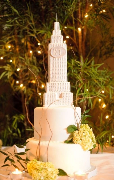 28-beautiful-travel-themed-wedding-cakes-23.jpg