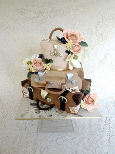 28-beautiful-travel-themed-wedding-cakes-3.jpg