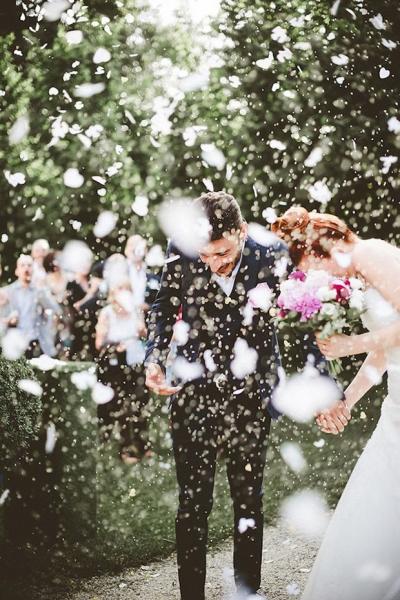 Confetti-wedding-pictures-03.jpg