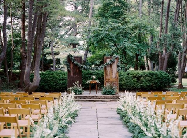 elegant-and-romantic-woodland-wedding-inspiration-1-750x551.jpg