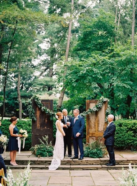 elegant-and-romantic-woodland-wedding-inspiration-12.jpg