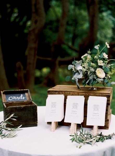 elegant-and-romantic-woodland-wedding-inspiration-2.jpg
