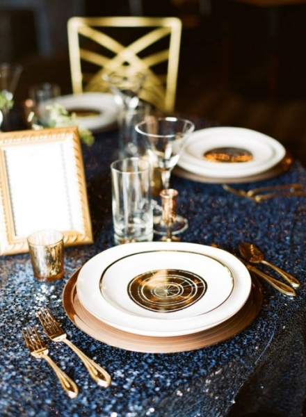 elegant-navy-and-gold-wedidng-ideas-2-500x682_20160120011416e78.jpg