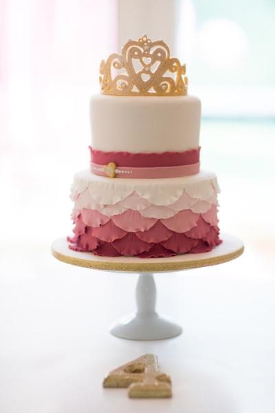 sweet-gold-crown-wedding-cake-topper-ideas_20151214173744adc.jpg