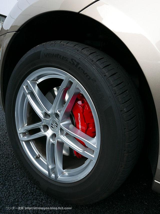 PorscheMacan01.jpg