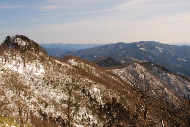 生台と竹呂山への稜線