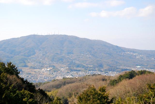矢田峠の展望台から生駒の眺め