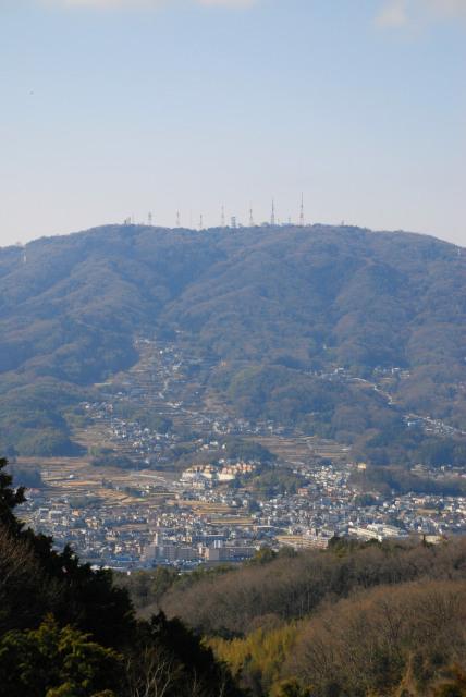 生駒山頂遊園地が見える