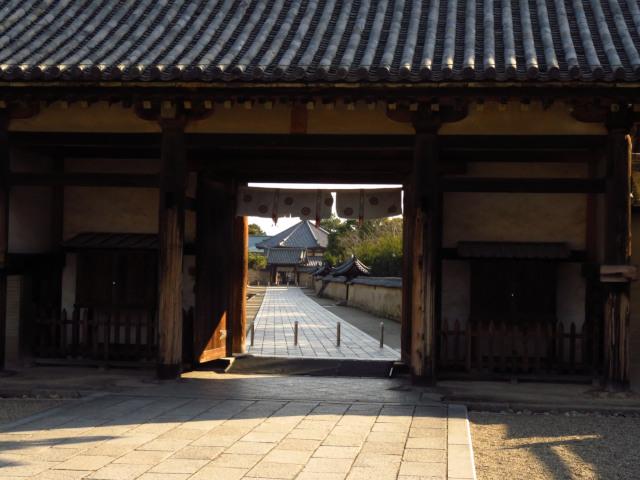 法隆寺の門
