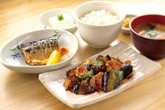 146なす味噌と焼き魚定食