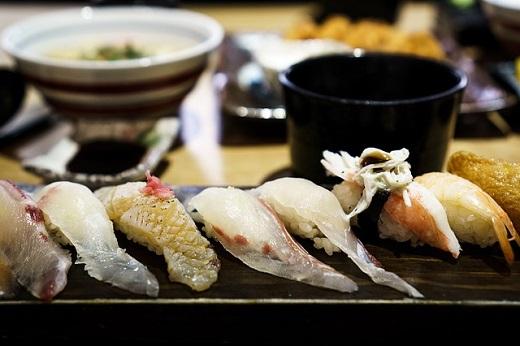 sushi-932868_6401.jpg