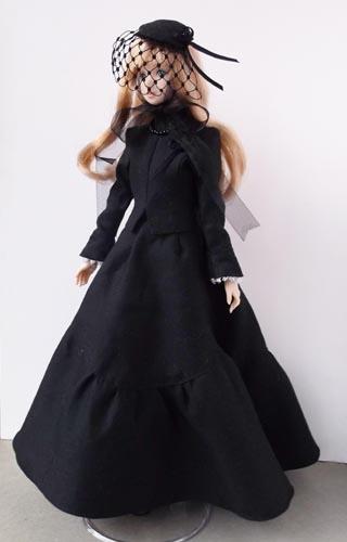 黒衣の貴婦人