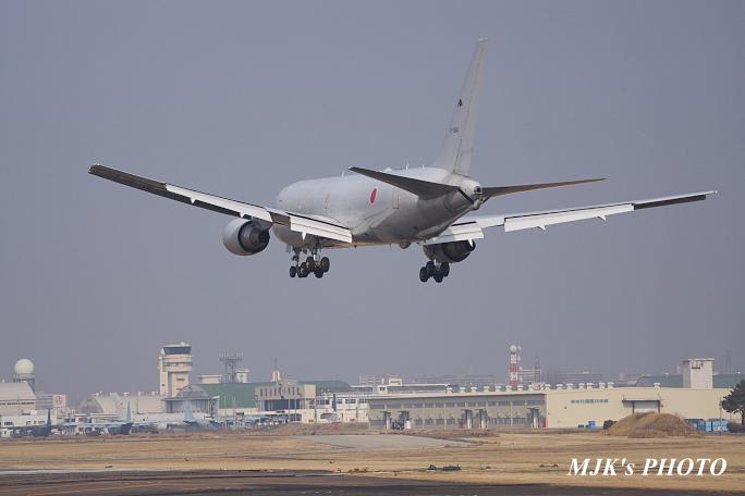airfrontoasis5861.jpg