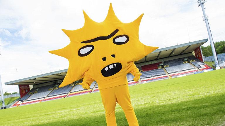 kingsley-mascot-partick-thistle.jpg