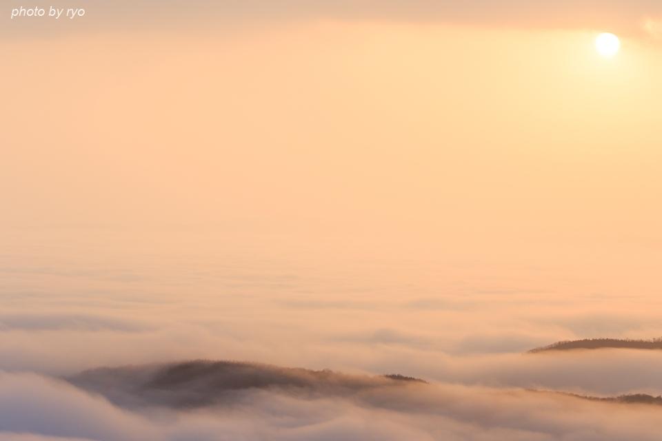 雲の上からの日の出の日_3