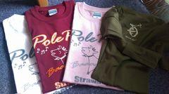 [お客様からの写真] 4色のポレポレTシャツ(白、エンジ、ピンク、モスグリーン)