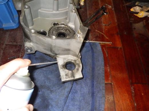 ⑭洗浄とクランクはめ込み (1)