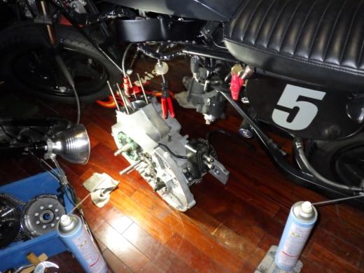エンジン載せる (1)